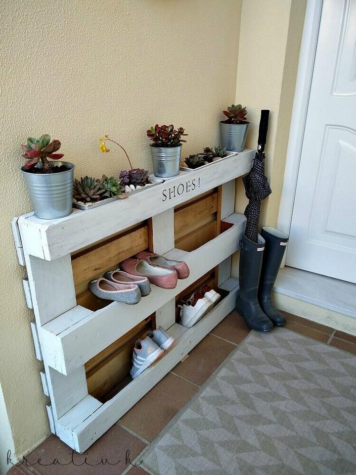 DIY Pallet Shoe Rack with Planters