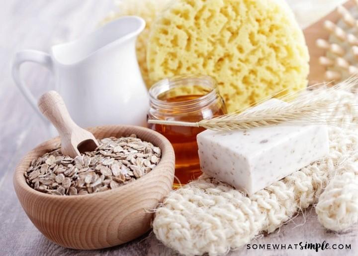 Easy DIY Honey Oatmeal Face Mask