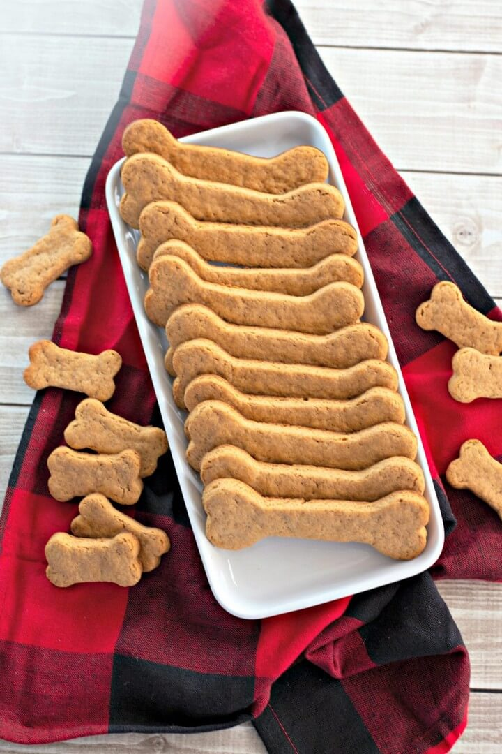 How to Make Homemade Dog Treats With Only 5 Ingredients
