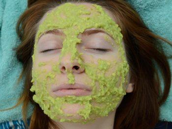 How to Make an Avocado Facial Mask