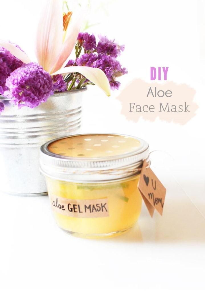 DIY Aloe Vera Face Mask