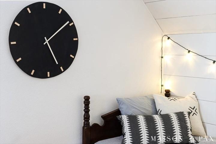 DIY Modern Black and Wood Wall Clock