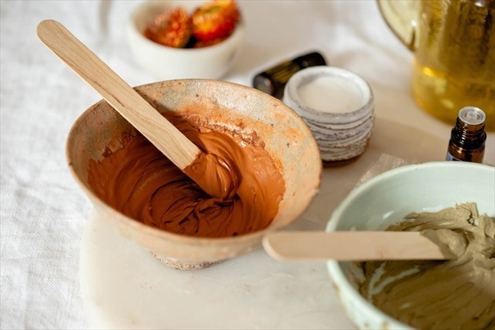 Homemade Face Mask For Acne Red And Green Clay
