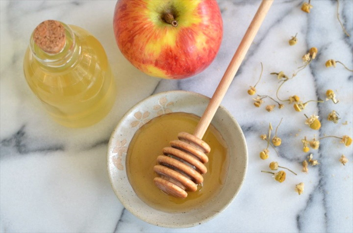 Honey Chamomile Toner – Easy Homemade Toner Recipe