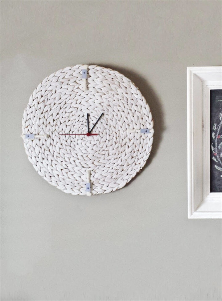 How To Turn A Placemat To A Minimalist Wall Clock