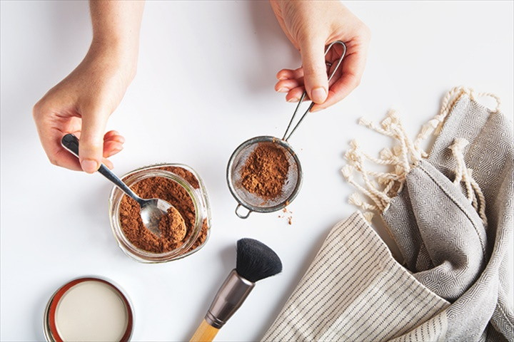Raw Cacao Powder Dry Shampoo