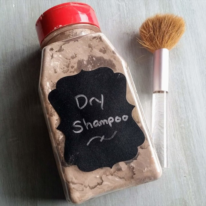 The Best DIY Dry Shampoo How to Use It