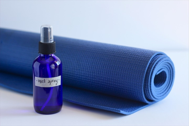 The Only 2 DIY Yoga Mat Cleaners You'll Ever Need