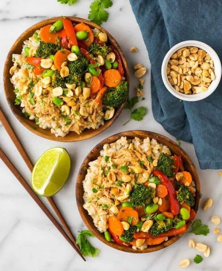Easy Peanut Chicken with Veggies and Rice