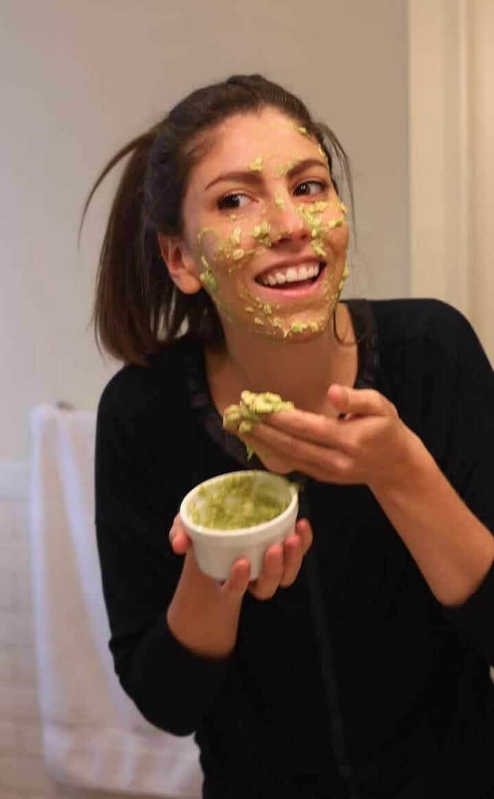 Hydrating Avocado Face Mask