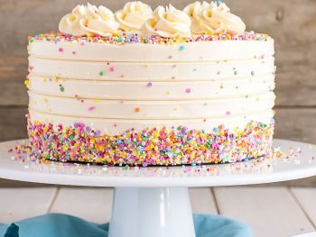 13 Simple Tips for The Perfect Cake Frosting