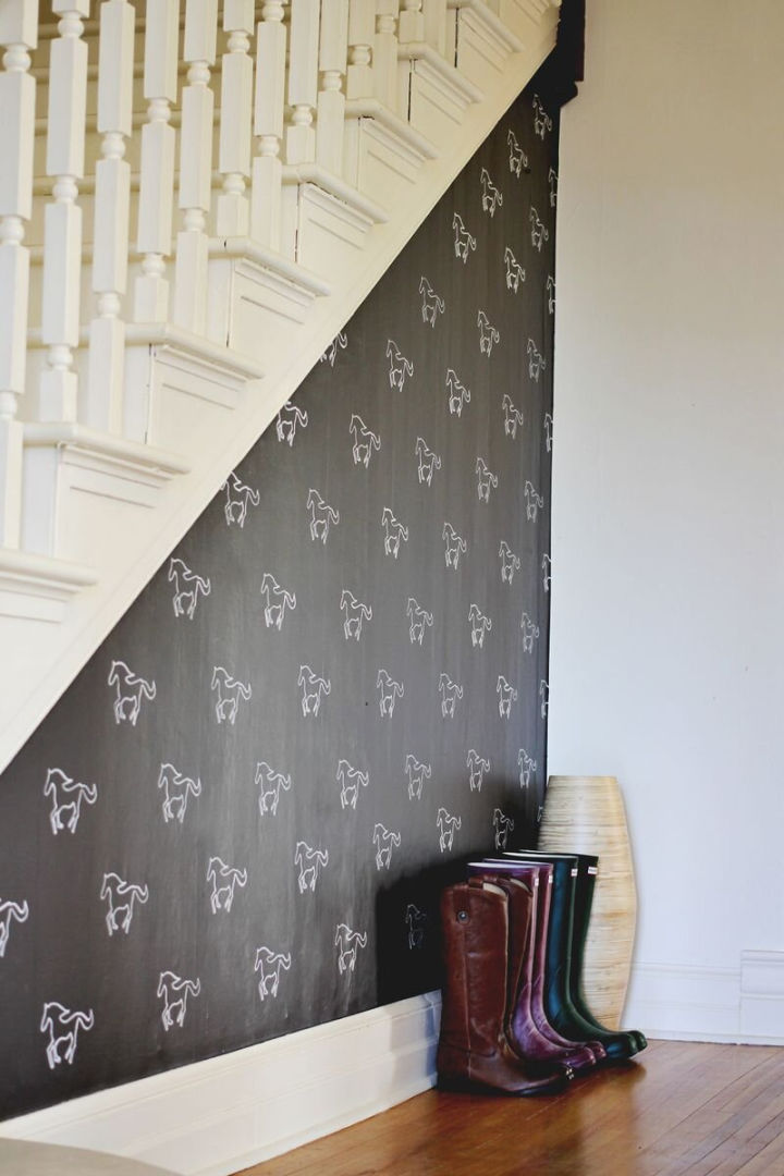Accent Wall Using Stencile