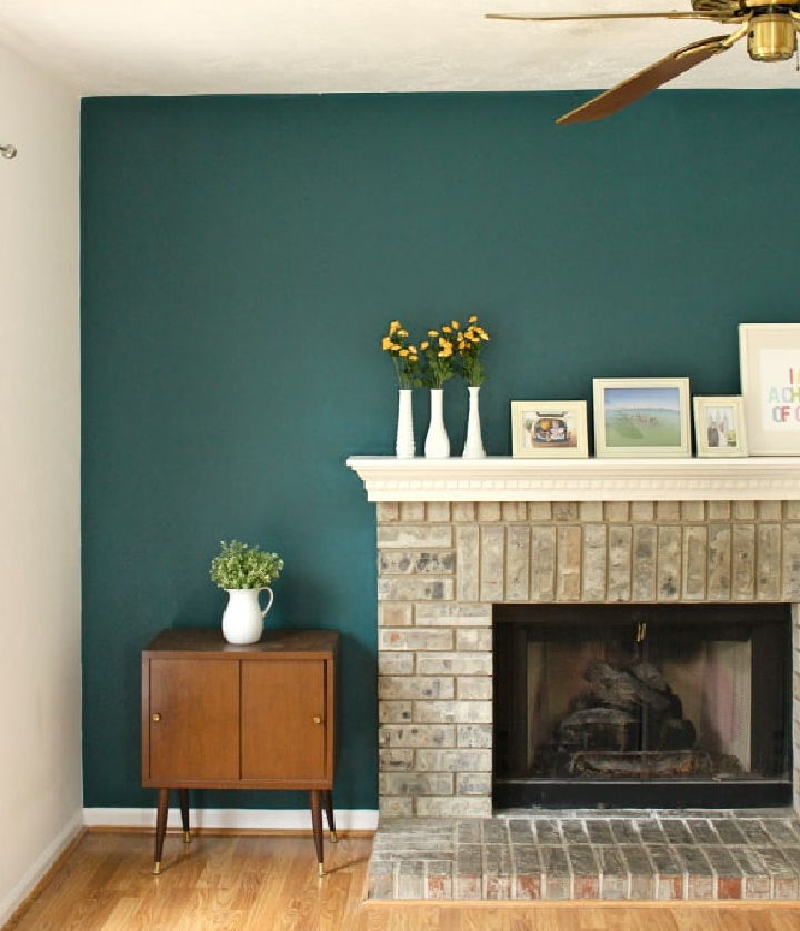 Accent Wall for Beginners