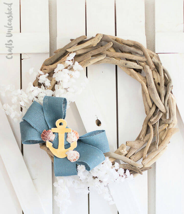 Beachy DIY Driftwood Wreath