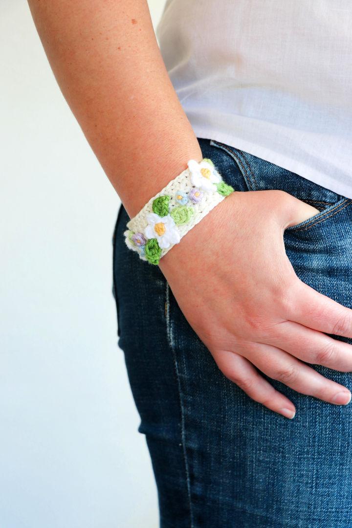 Boho Summer Daisy Crochet Bracelet