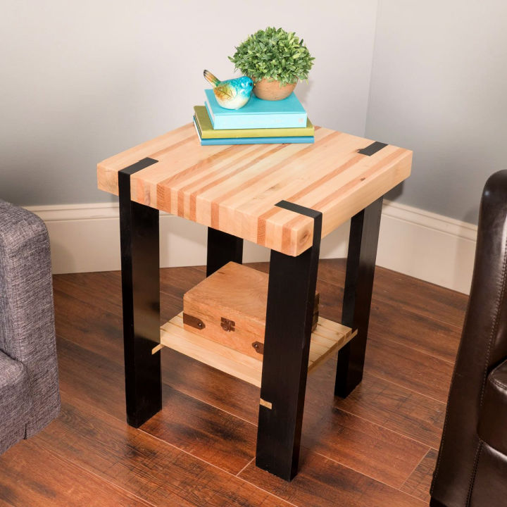 Build a Pallet Side Table
