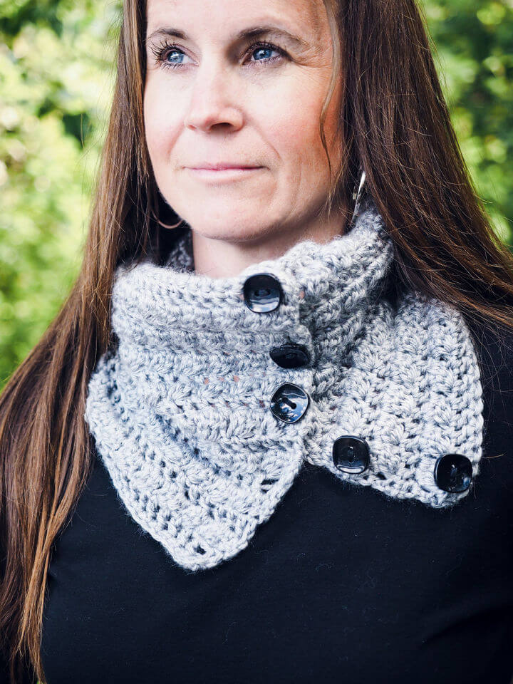 Button up Squares Cowl Neck Warmer
