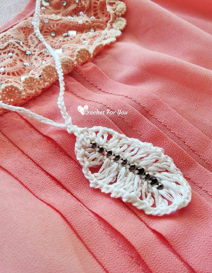 Crochet Feather Pendant Necklace