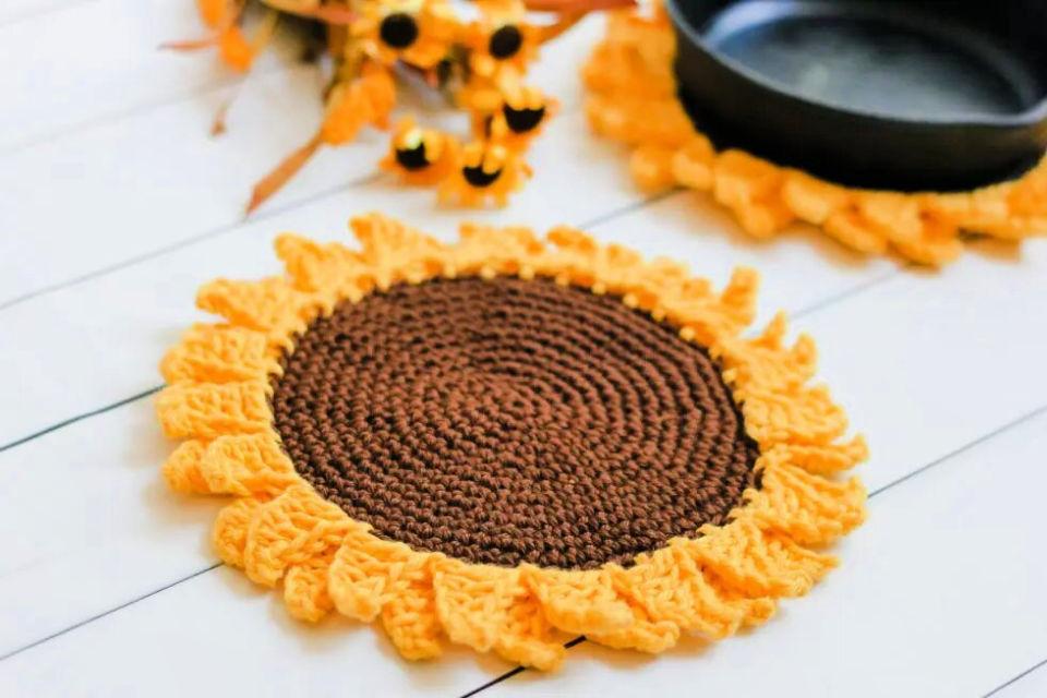 Crochet Sunflower Pot Holder Pattern