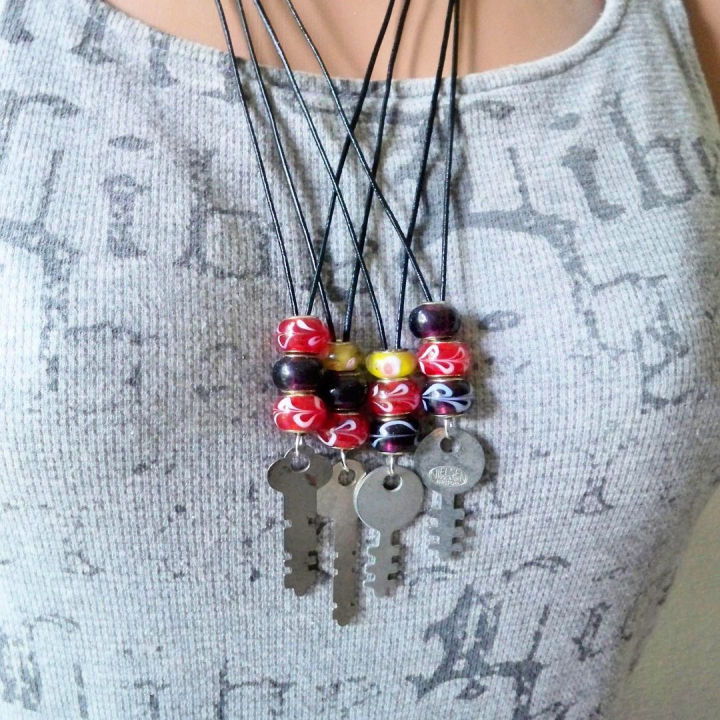 Glass Beads and Keys Necklace