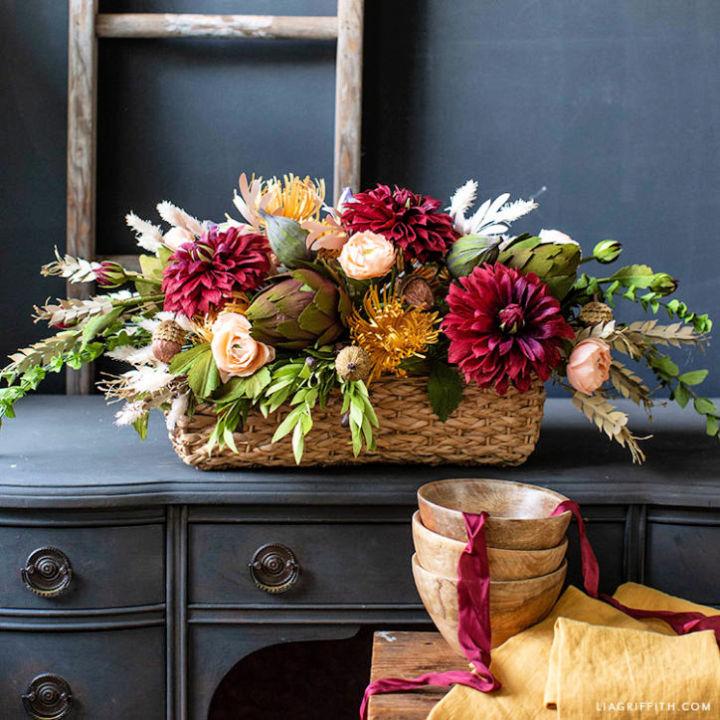 How to Arrange a Thanksgiving Centerpiece