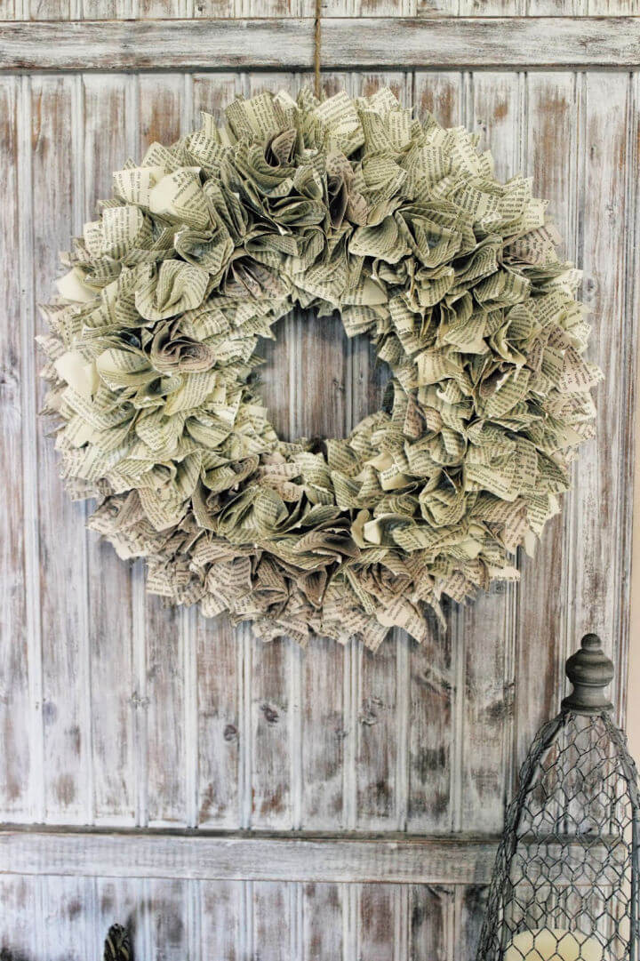 How to Make Paper Wreath