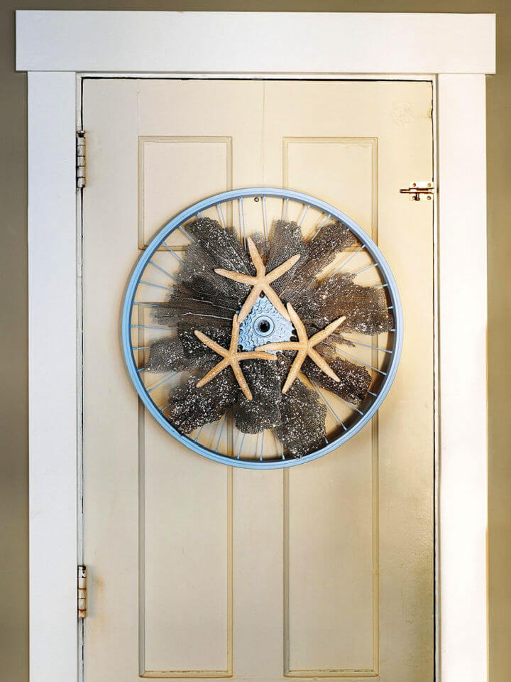 How to Make a Wreath From a Bicycle Wheel