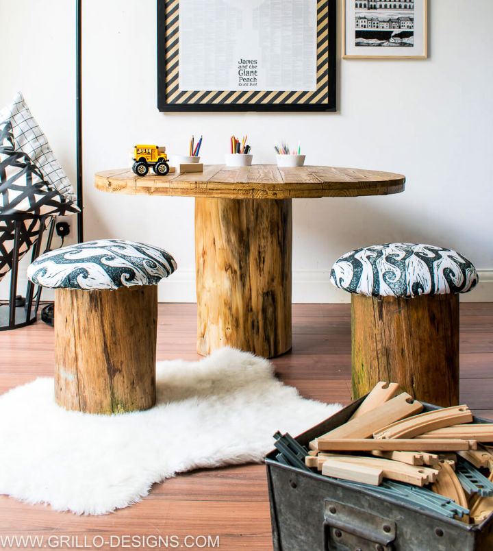 Kids Tree Trunk Table with Toadstools