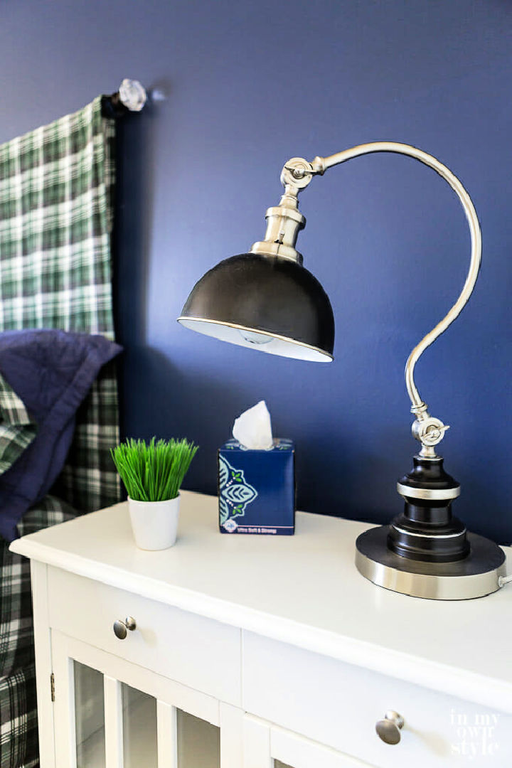 Paint an Accent Wall Using Bold Color
