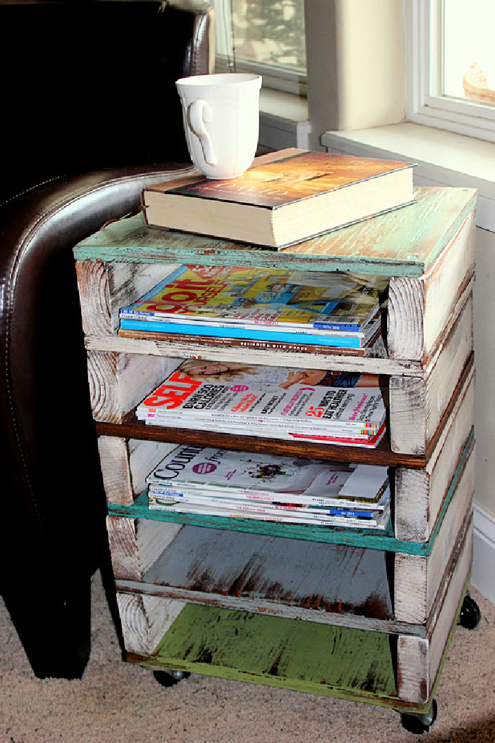 Pallet Side Table and Magazine Rack