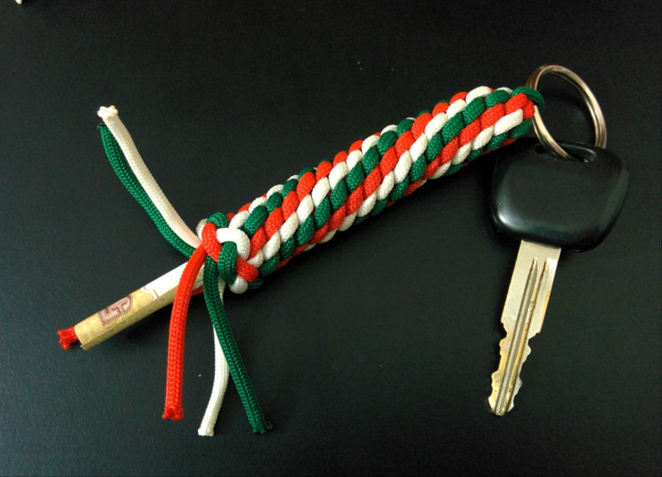 Paracord Fob with Hidden Compartment