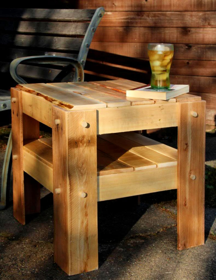 Rustic Side Table with Pallet Wood