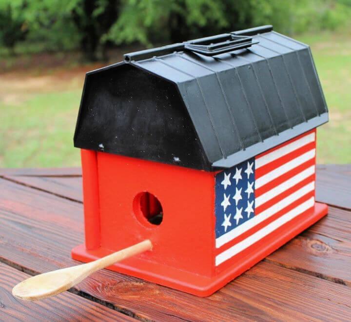 See Rock City Barn Birdhouse