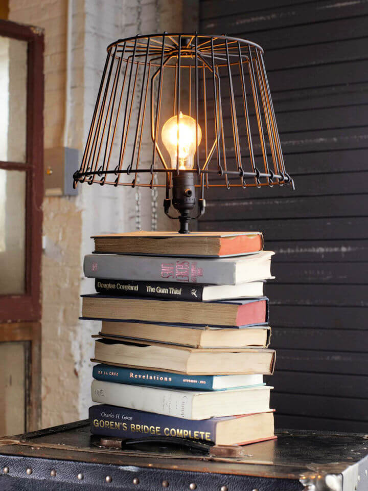 Stacked Books Table Lamp