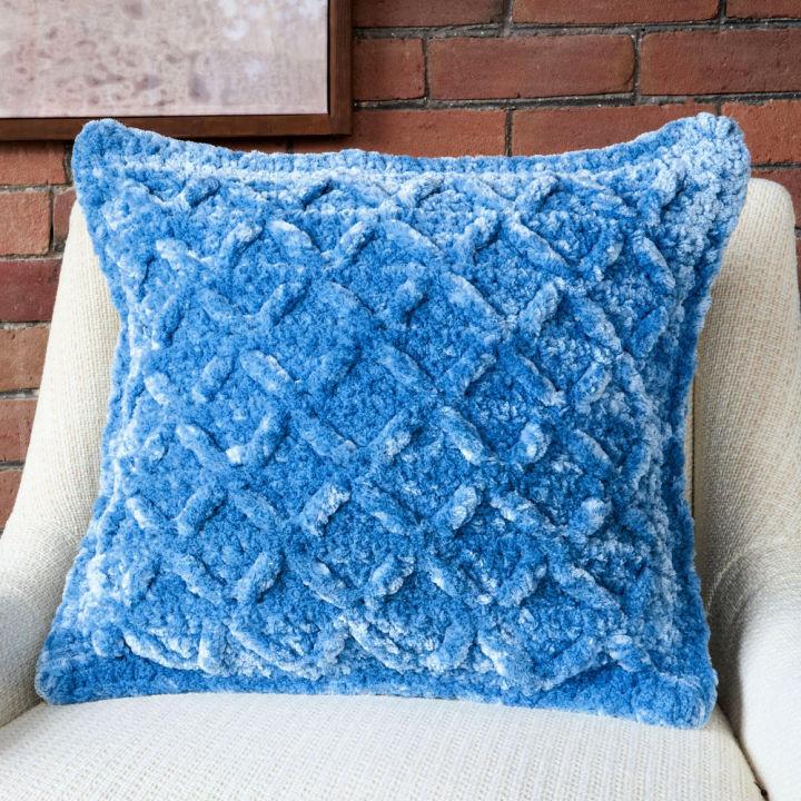 Bernat Kiss Kiss Velvet Crochet Pillow