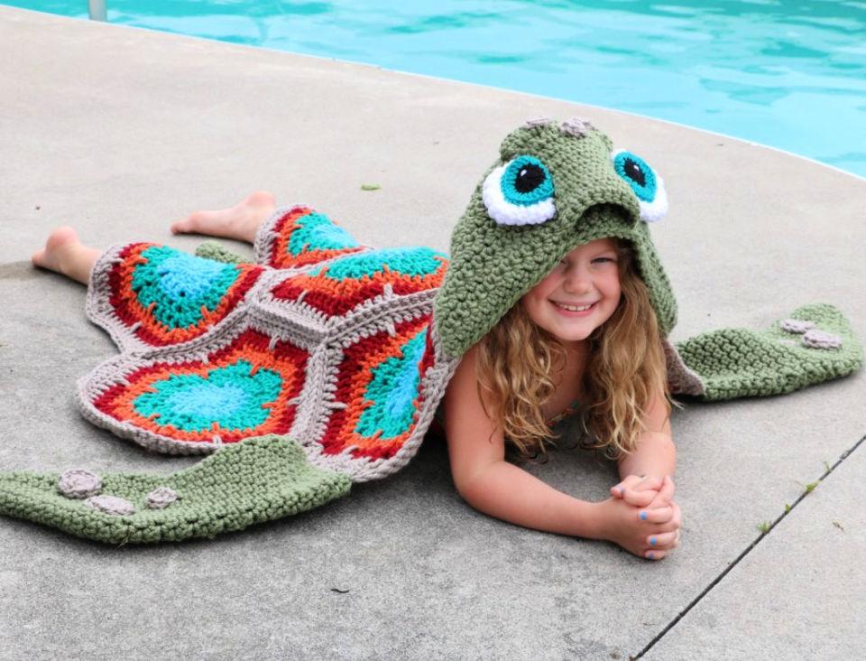Crochet Hooded Sea Turtle Blanket