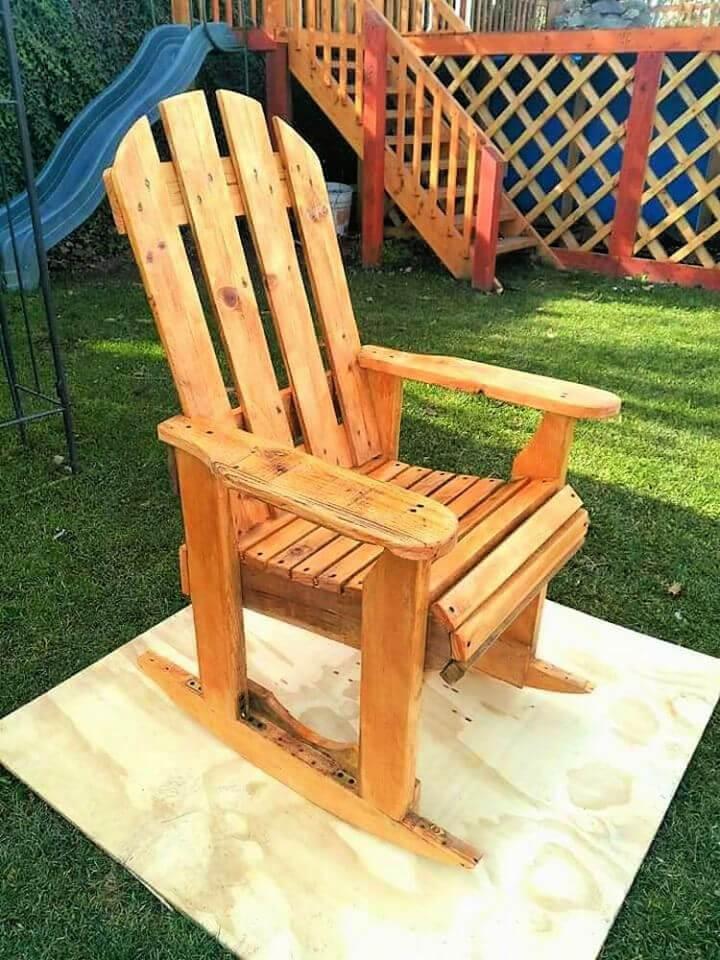 DIY Wood Pallet Rocking Chair