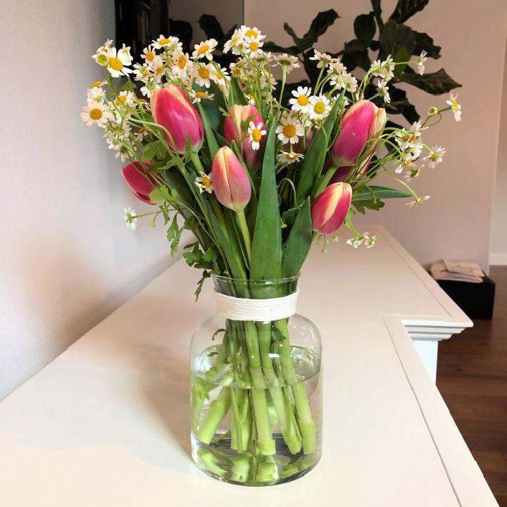 Easy to Make Flower Arrangement