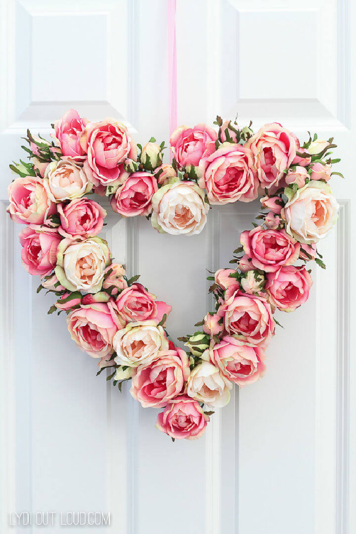 Floral Valentines Day Heart Wreath