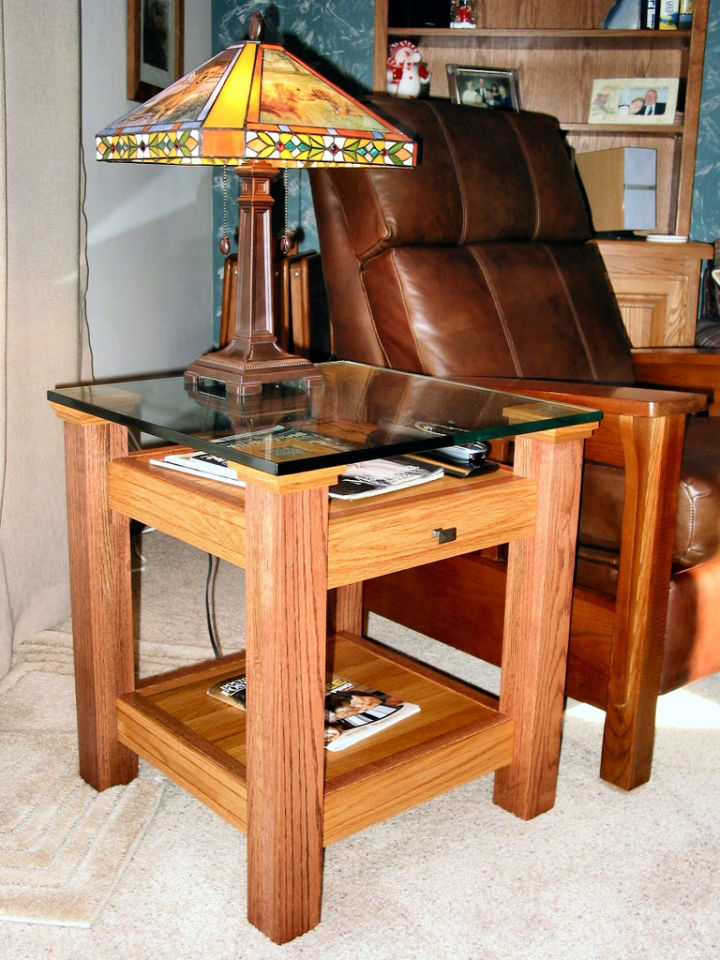 Oak and Glass Display Top End Table