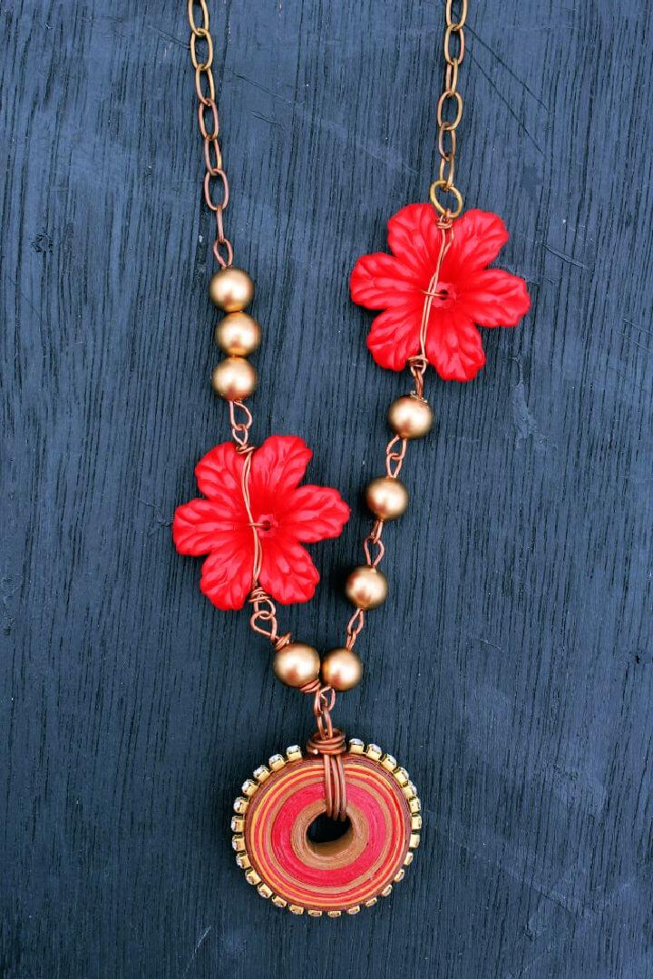 Pinwheel Poinsettia Necklace