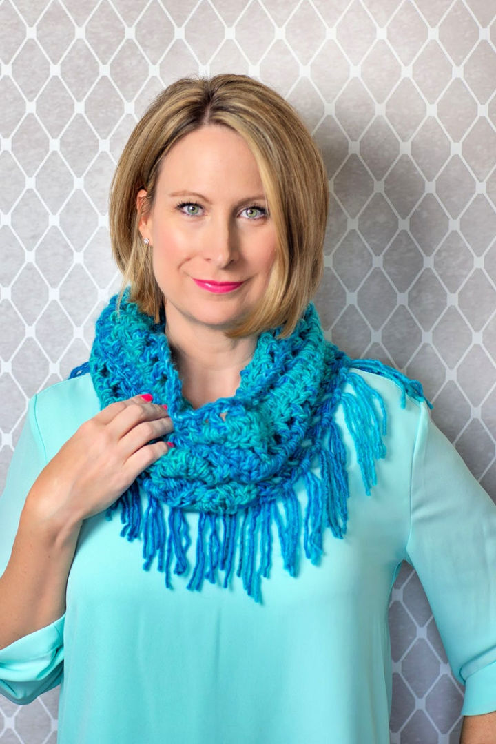 Quick and Easy Crochet Neck Scarf