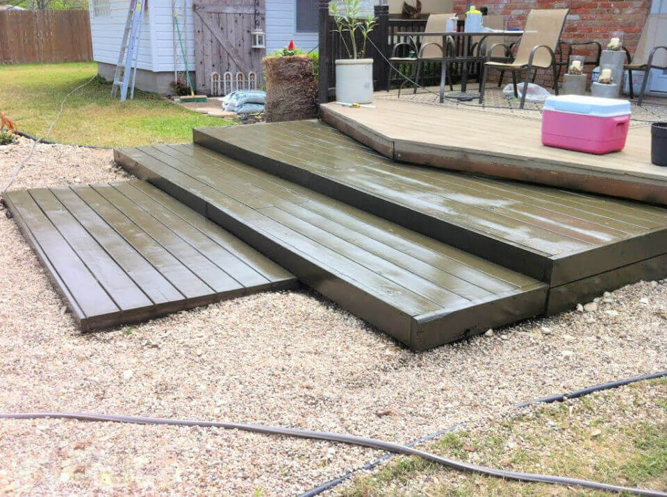 Stained Tiered Pallet Wood Deck