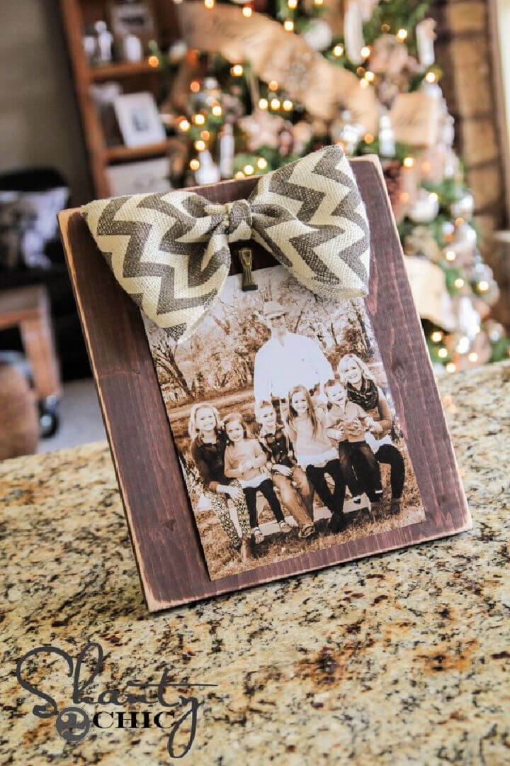 3 DIY Bow Picture Frame