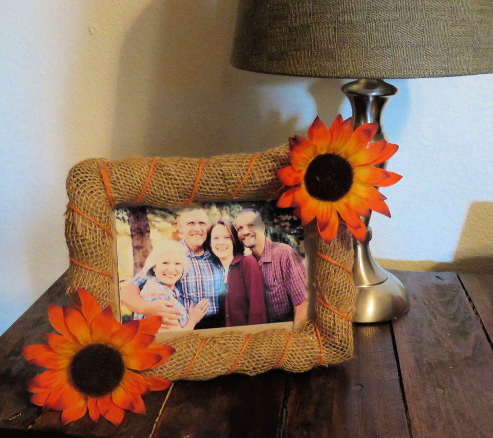 4 Burlap and Twine Picture Frame