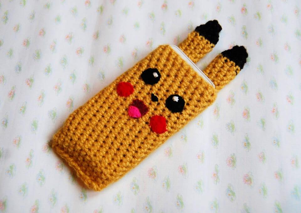 Crochete Pikachu Phone Cover