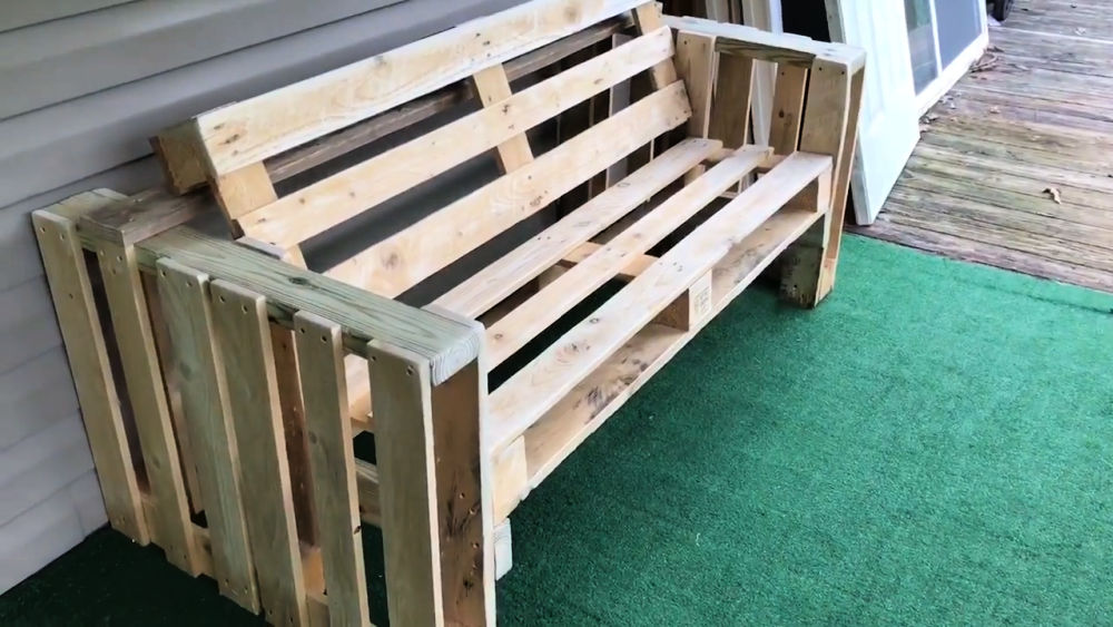 DIY Bench from Two Pallets