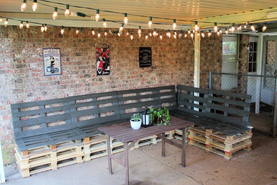 DIY Corner Pallet Bench
