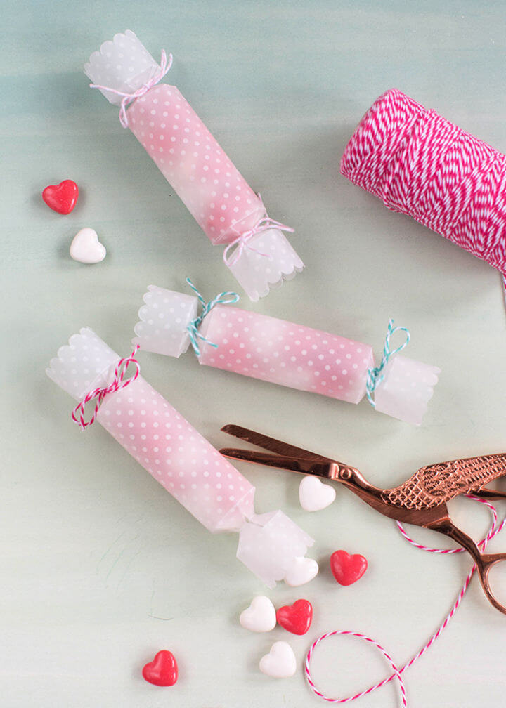 DIY Papercut Candy Poppers