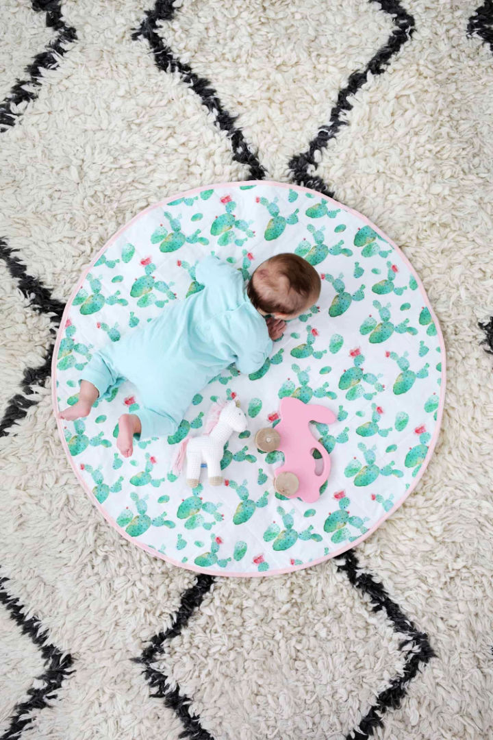 DIY Round Quilted Play Mat